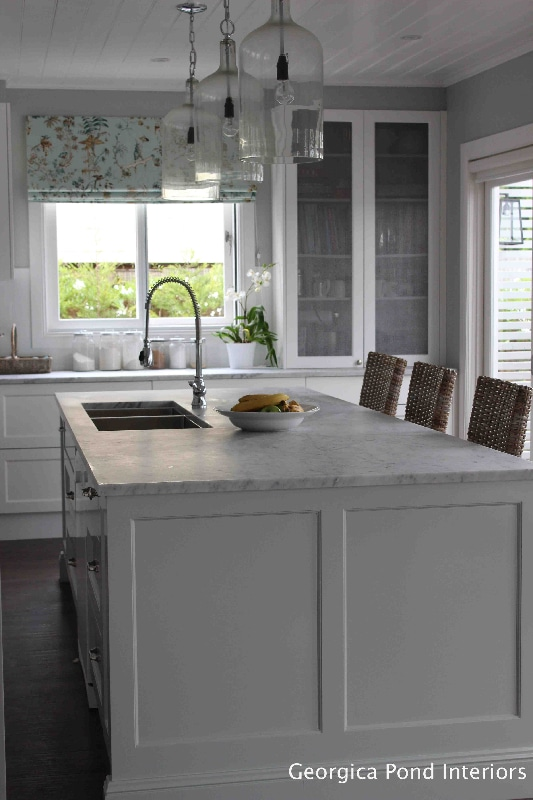 white kitchen georgica pond interiors