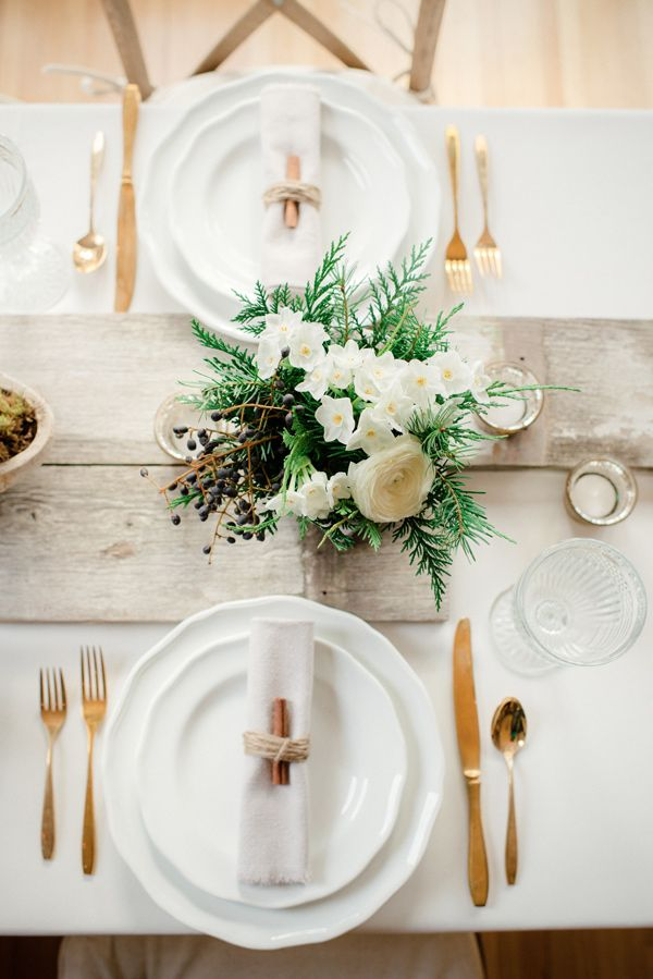 Easy Table Decor by Alisa Lewis Event Design. Love the gold flatware and cinnamon stick napkin detail