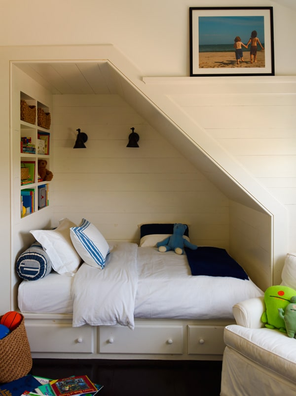 Adorable built-in bed nook by Sawyer Berson Architects