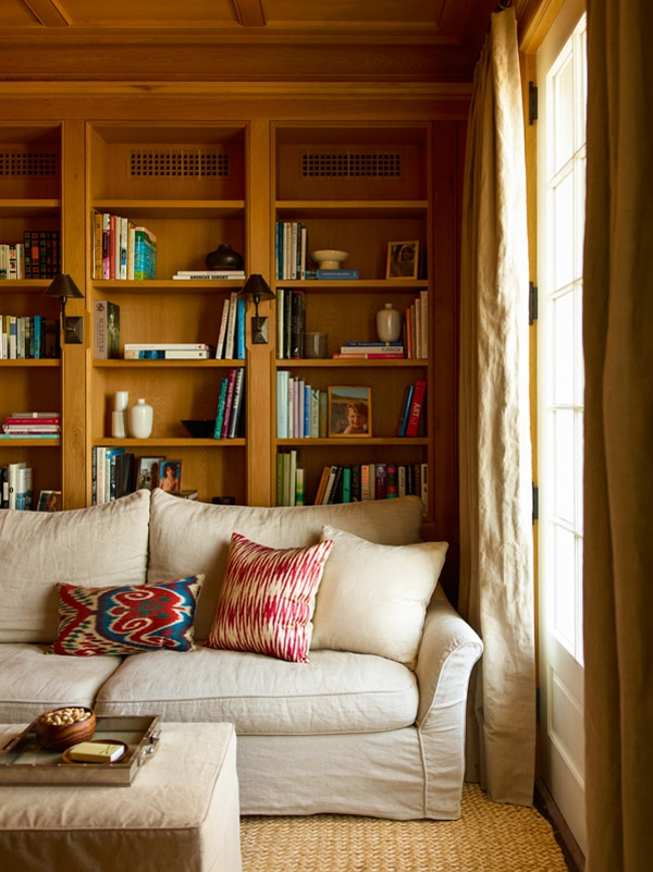 Cozy Library by Sawyer Berson Architects