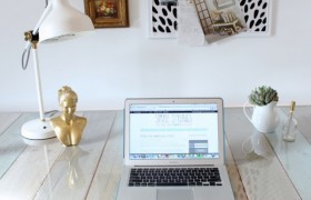 DIY Pallet Desk {Simple Stylings}