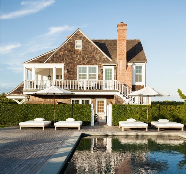 Shingled Beach House in the Hamptons by Sawyer Berson Architects