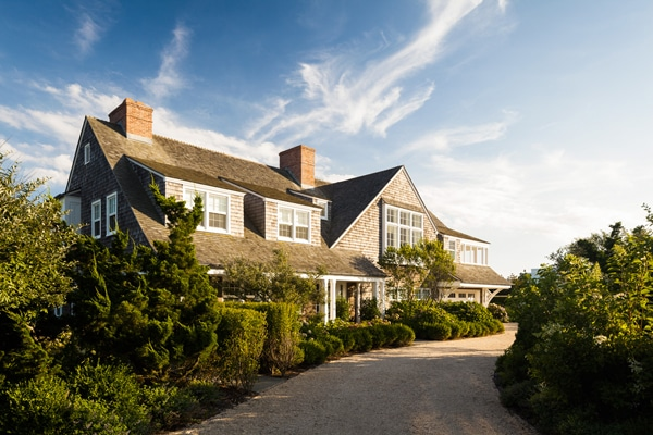 Shingled House in the Hamptons by Sawyer Berson Architects