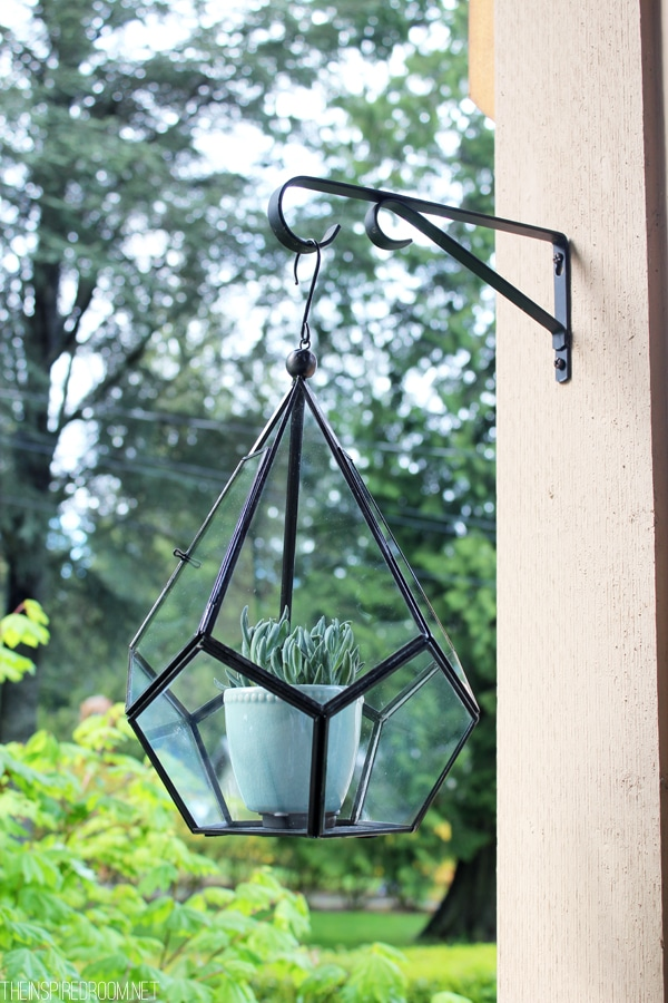 {Little Rewards That Don't Involve Chocolate} A Hanging Faceted Terrarium