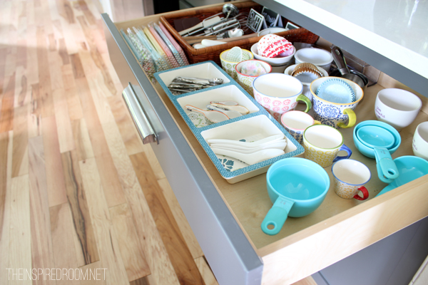 5 Minute Organizer: Organized Kitchen Baking Drawers