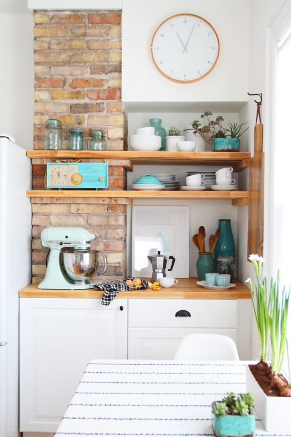 Fun Kitchen Makeover {Deuce Cities Henhouse}
