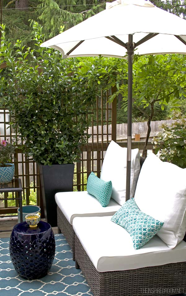 My Small Backyard Deck Makeover {Before & After} | The ...