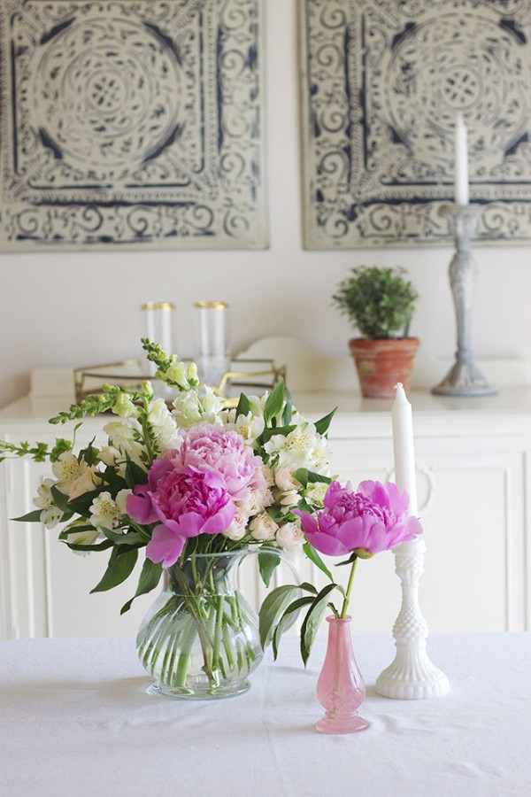 How to Make a New Place Feel Like Home - Fresh Flowers
