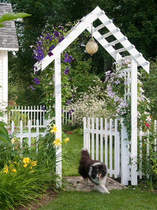 How to create a magical garden the inspired room for Garden entrance designs