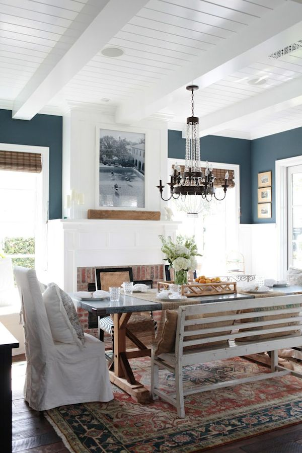 Blue and White Dining Room with Oriental Rug Photography: Esther Sun - www.esthersunphoto.com designer: http://www.eringinteriors.com/  More dining rooms: http://theinspiredroom.net/2014/09/05/cozy-dining-room-decor-inspiration/