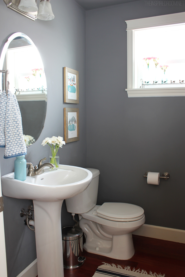 Townhouse powder room update and city print giveaway for Small bathroom no natural light