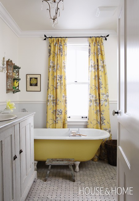 Yellow Clawfoot Tub - Sarah Richardson