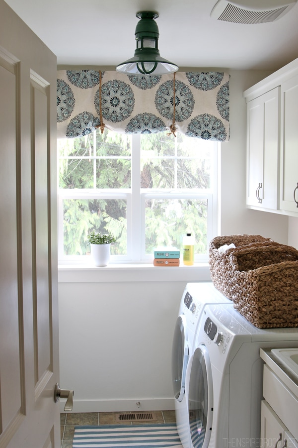 How to Make a {No Sew!} Rolled Fabric Shade