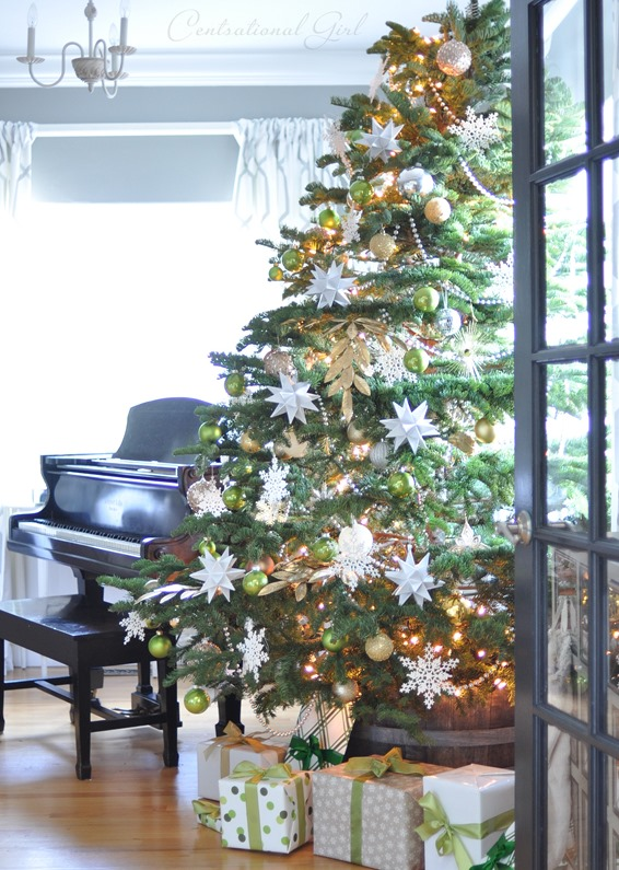 Inspired Christmas {Decorating With Green}
