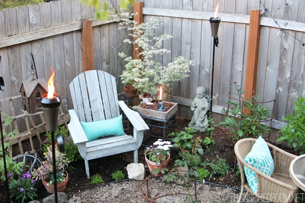 Set the Mood: Small Backyard Party for Two (& Giveaway)