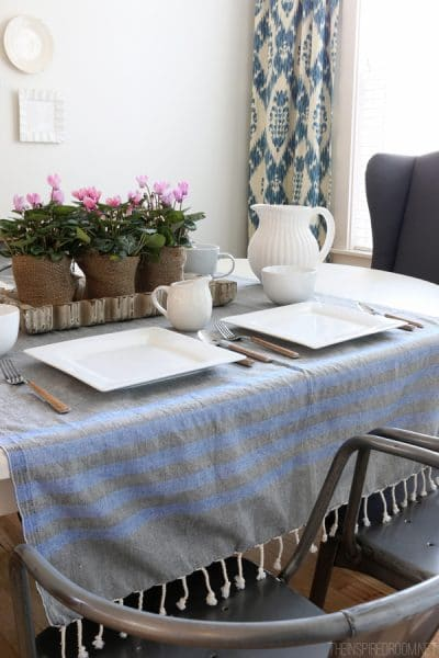 Simple DIY Burlap Pots - The Inspired Room