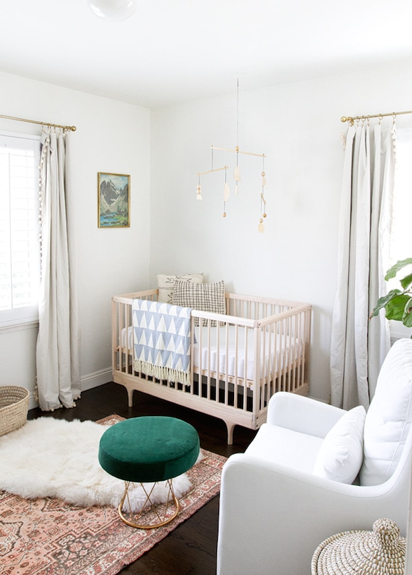5 Modern Non Themed Baby Nursery Room Designs The