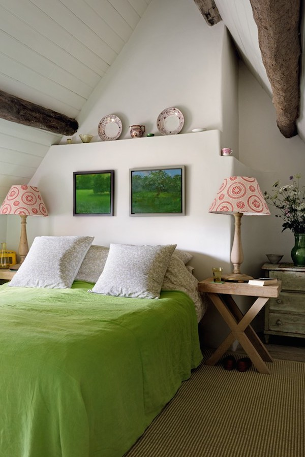 Cottage Bedroom Designed by Caroline Holdaway - Photography by Simon Brown