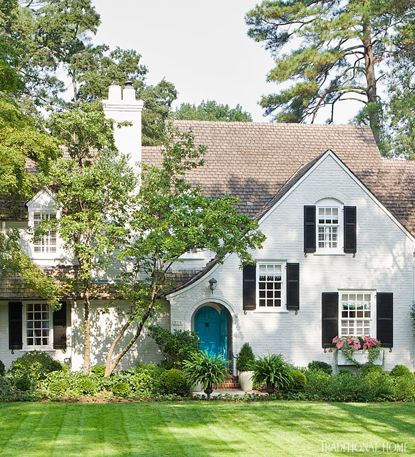 5 minute break 7 delightful homes to inspire the for Brick traditional homes