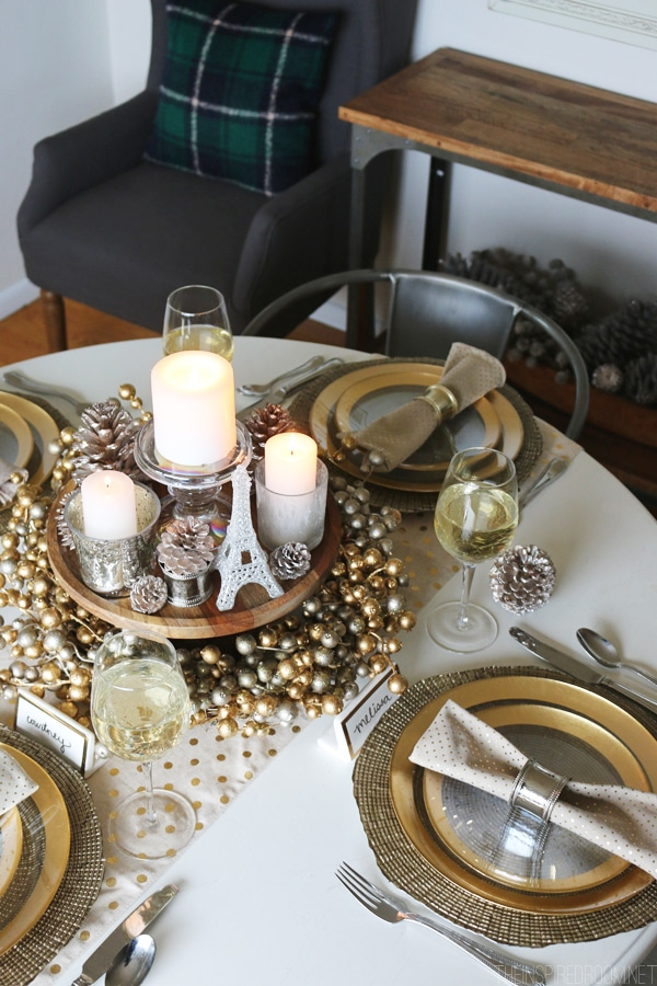 8_Tips_for_a_Cozy_Glam_Holiday_Tablescape