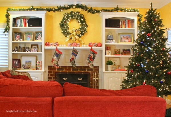Family Room Christmas Decorating - Bright Bold and Beautiful