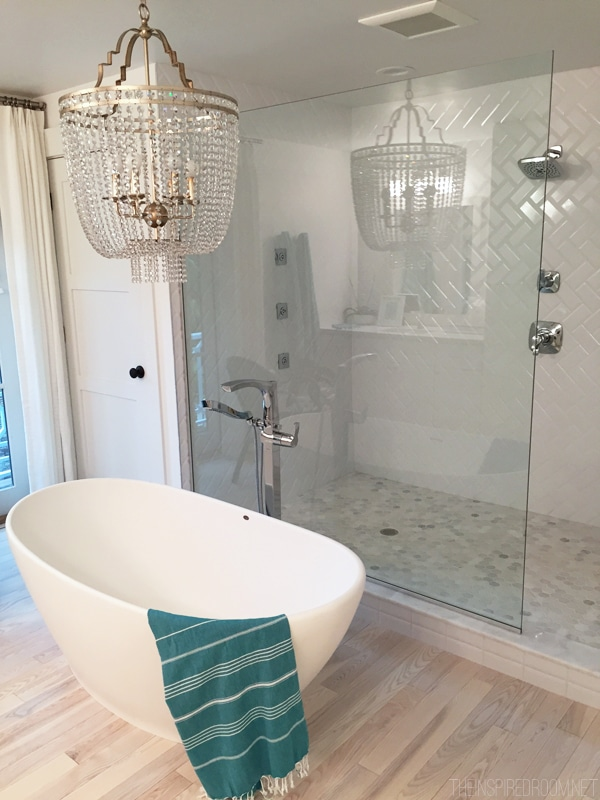 HGTV Dream Home Bathtub and Chandelier