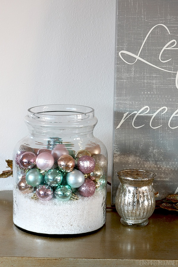 Simple Christmas Decorating Idea - The Inspired Room