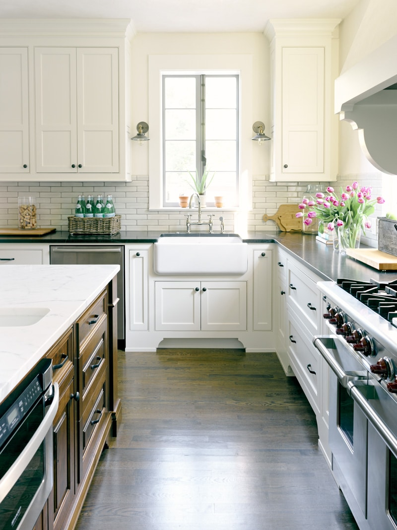 Corner Kitchen Layout - Atlanta Homes Magazine