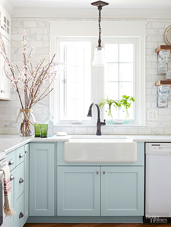 Small Coastal Style Kitchens