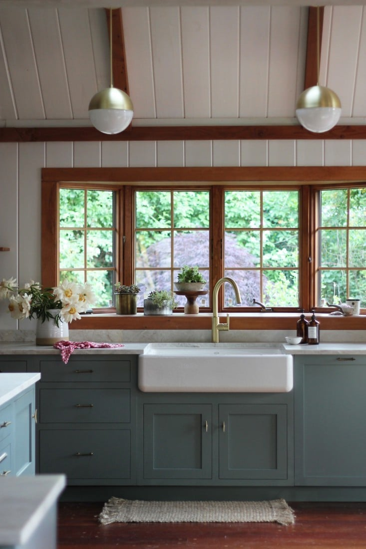 Apron Front Farmhouse Sink Kitchen Design by Jersey Ice Cream Co Riverhead Kitchen