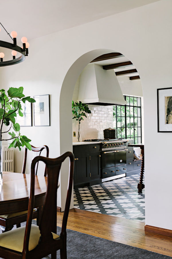 Arched Doorway Into Kitchen - Archway - Jessica Helgerson Interior Design