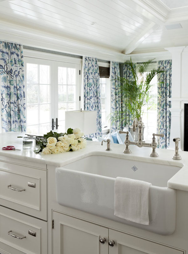 White Shaker Kitchen With Farmhouse Sink