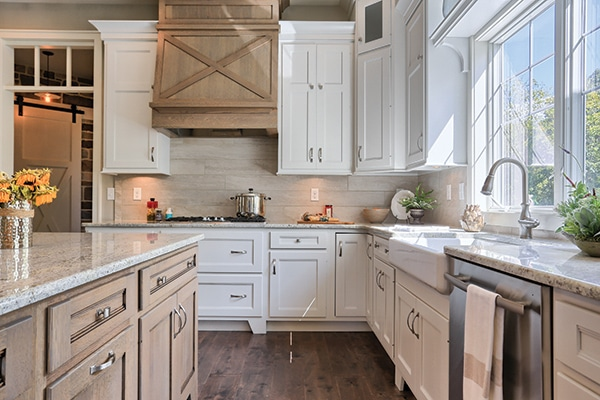 Modern Farmhouse Kitchen Design - Covered Range Hood - Wood with X Design