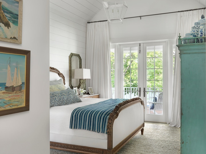 Nautical Style Bedroom Amy Studebaker Design -Click through for more beautiful coastal rooms!