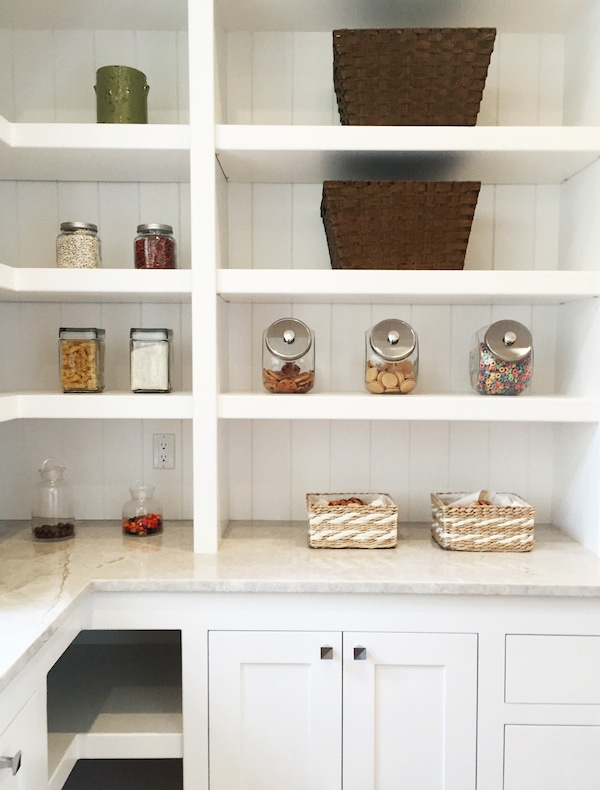 butlers-pantry-shelves-street-of-dreams