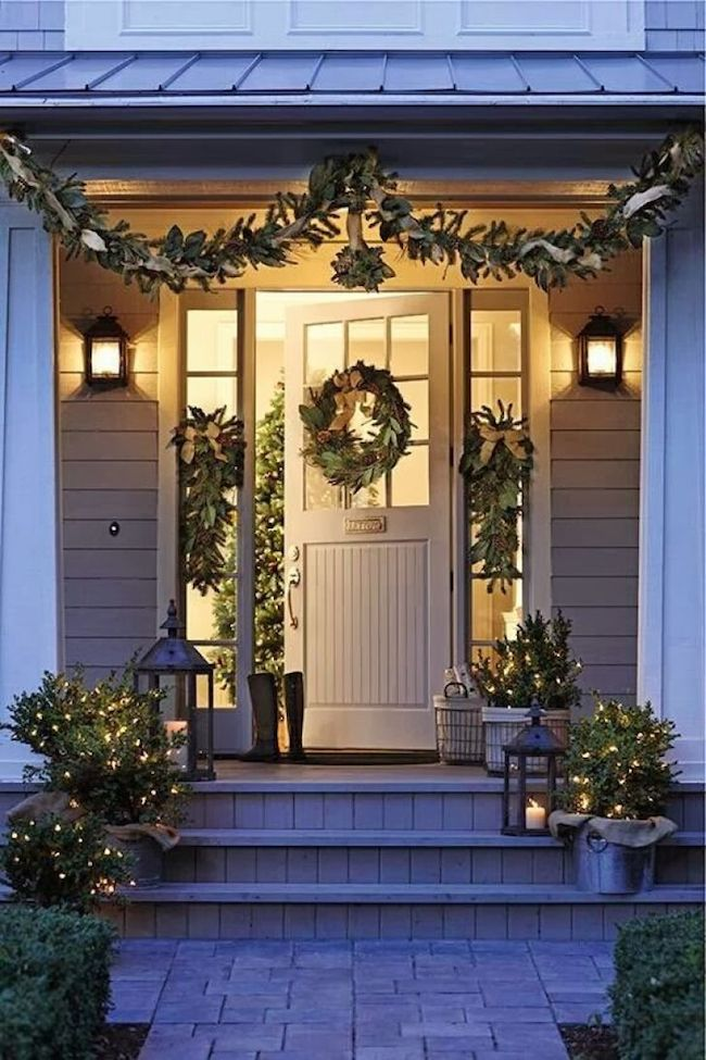Christmas Decorating Ideas - Decorating the Front Door