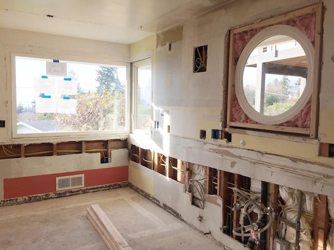 new-round-window-in-the-kitchen