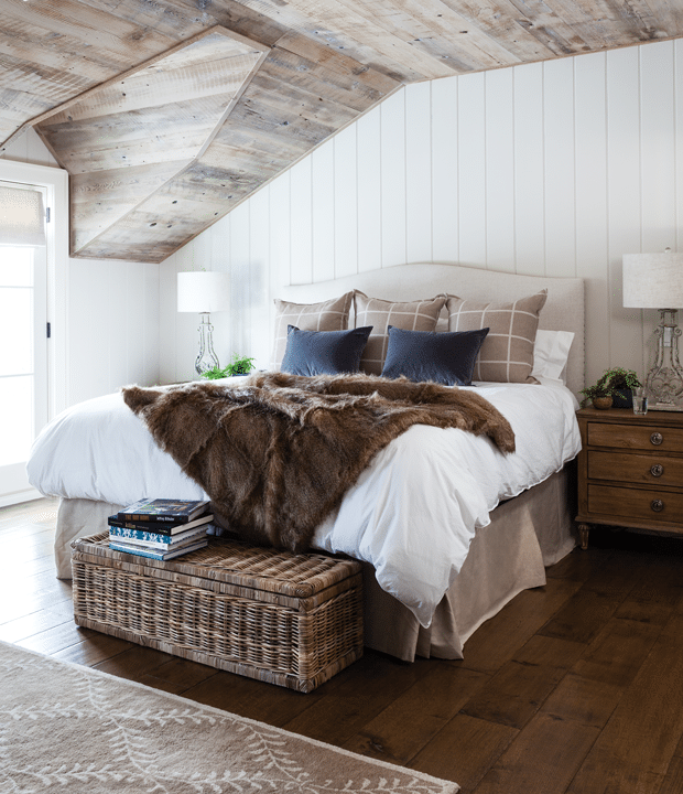 Simply inspired holidays cozy winter spaces the for Winter bedroom