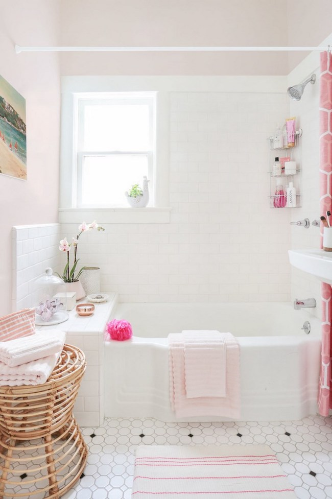 Vintage bathrooms my mint pink bathroom the inspired Pink bathroom ideas pictures