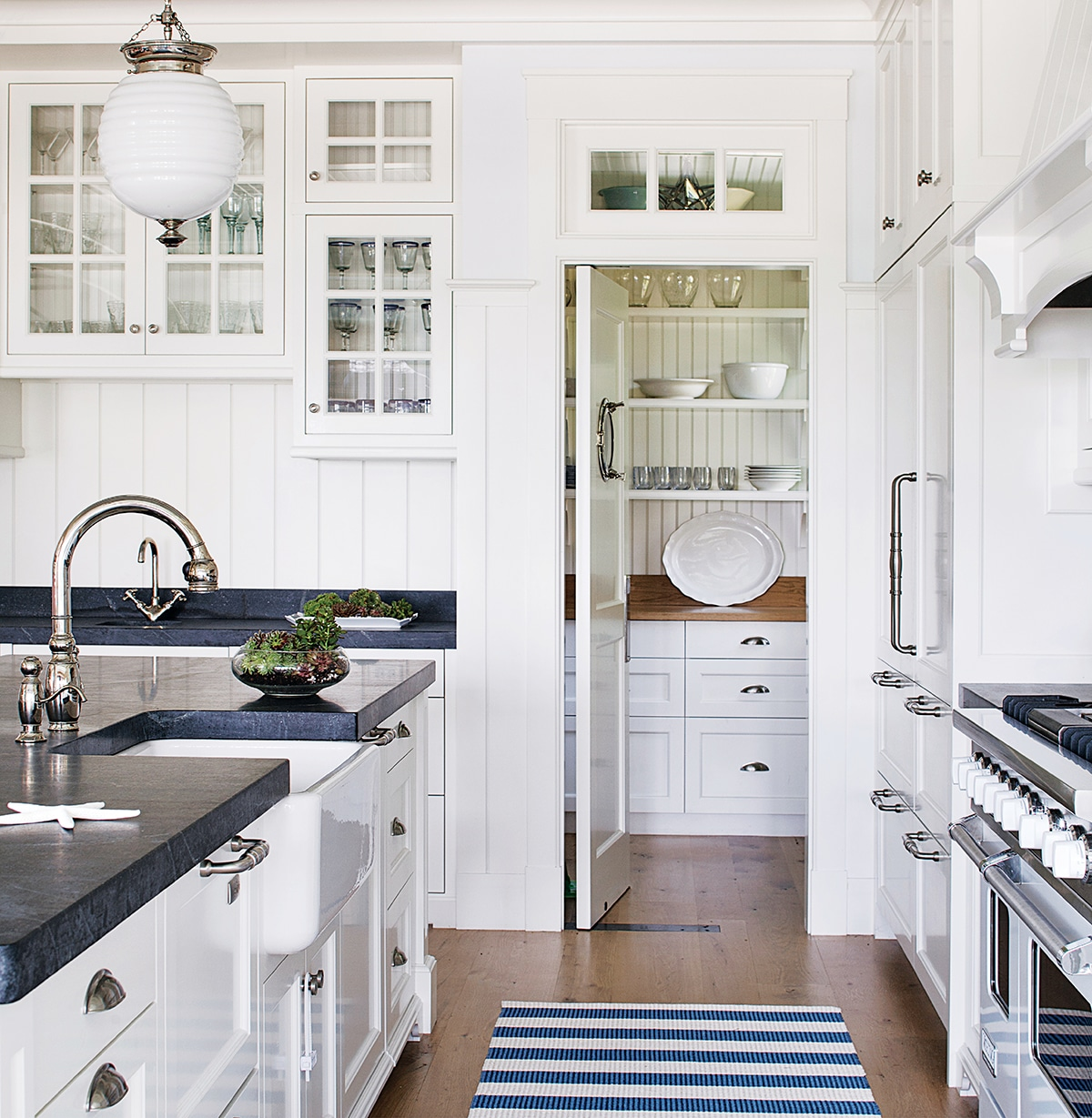 Kitchen With Living Room Design: Where Do You Store Your Dishes?