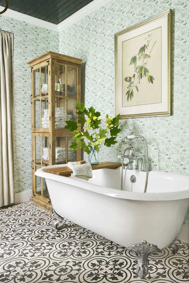 Beautiful bathroom remodeling ideas the inspired room for Images of country bathrooms