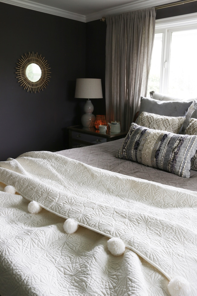8 Tips for a Tidy and Peaceful Bedroom