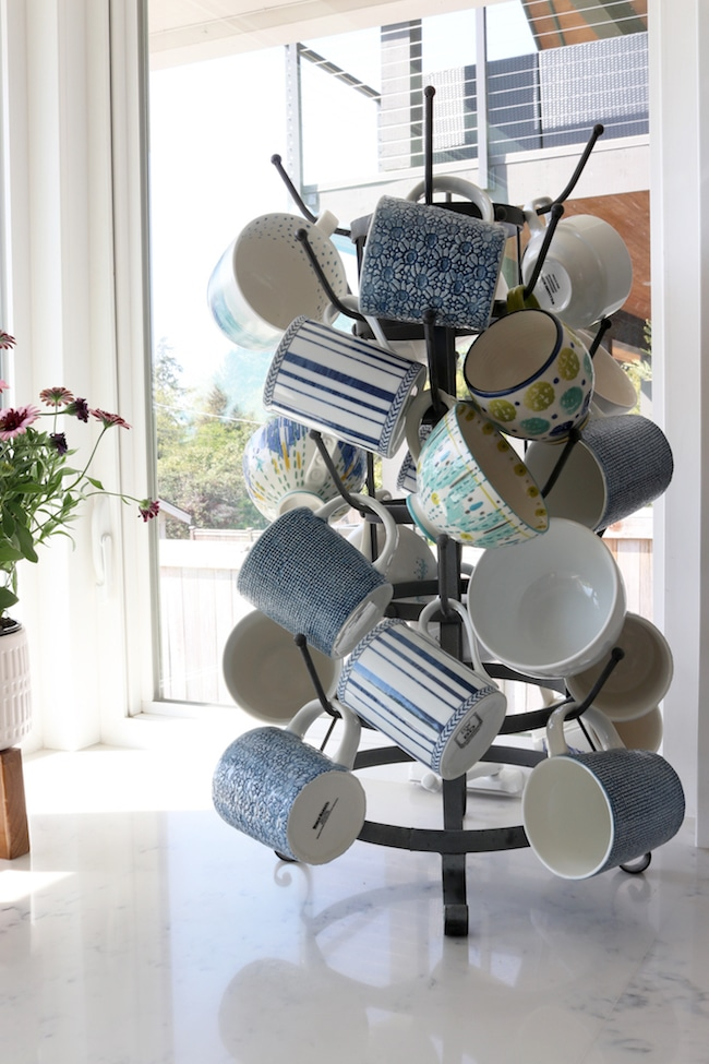 Delighting in Decorating + Spring Mug Rack