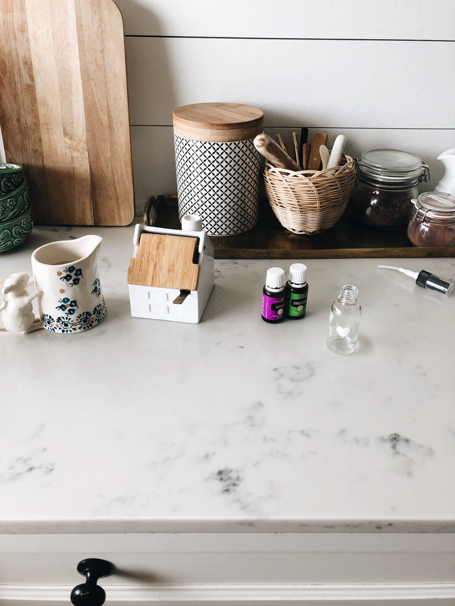 Signature Home Scents Diy Lavender Vanilla Lime Linen Spray The Inspired Room