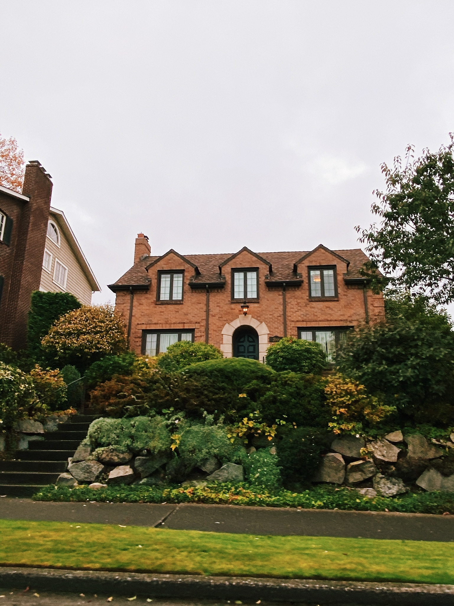 Autumn Drive By - Charming Seattle Neighborhoods