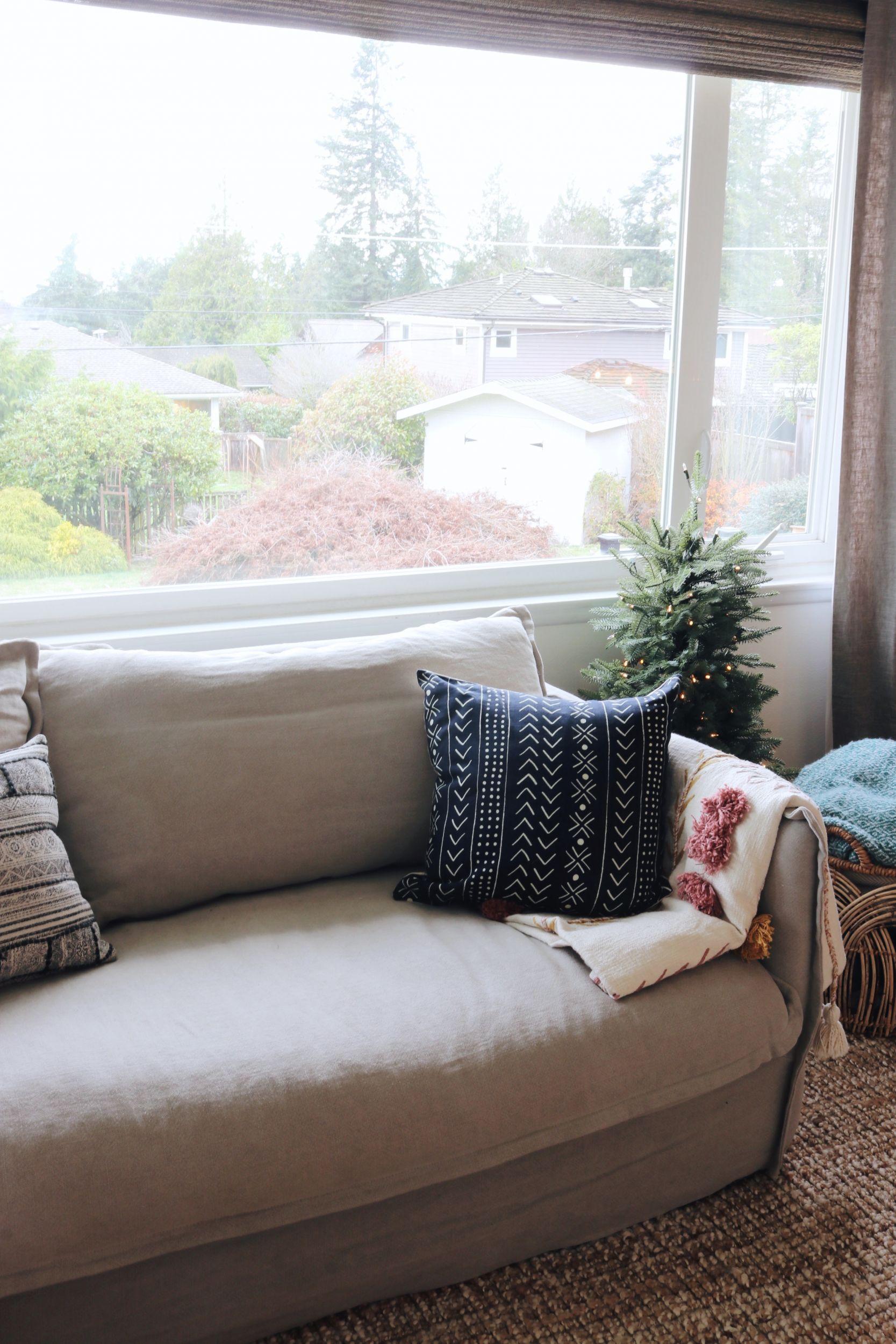 New Linen Slipcovered Sofa in the Living Room!