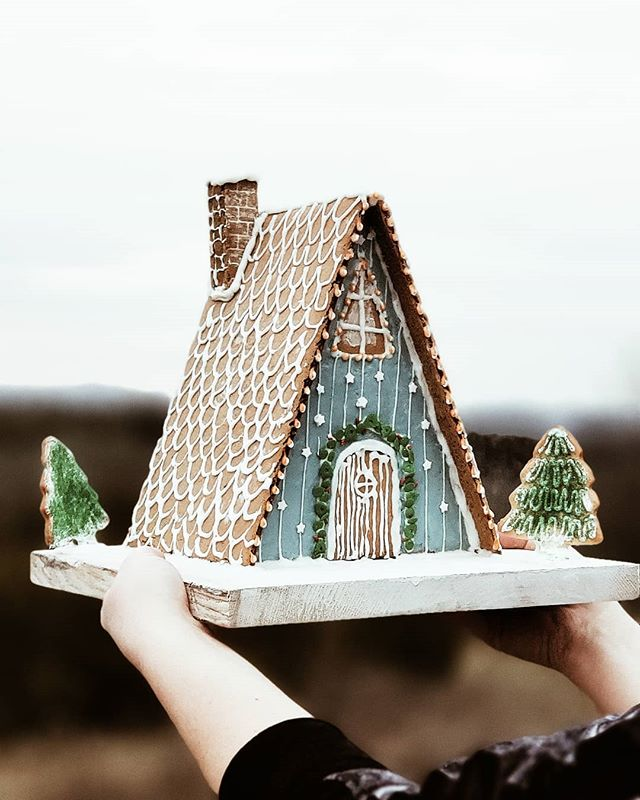 The Magic of Christmas + Gingerbread Houses