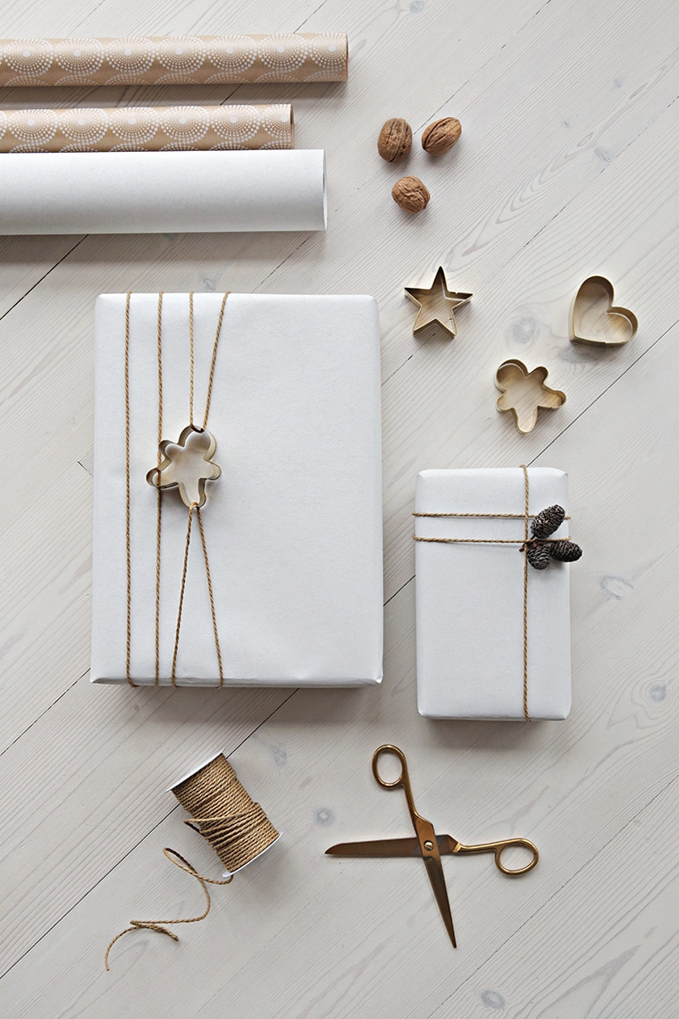 Simple Christmas Gift Wrapping Ideas with Kraft Paper