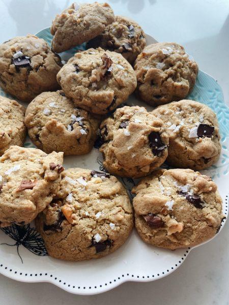 Gluten Free Vegan Chocolate Chunk cookies