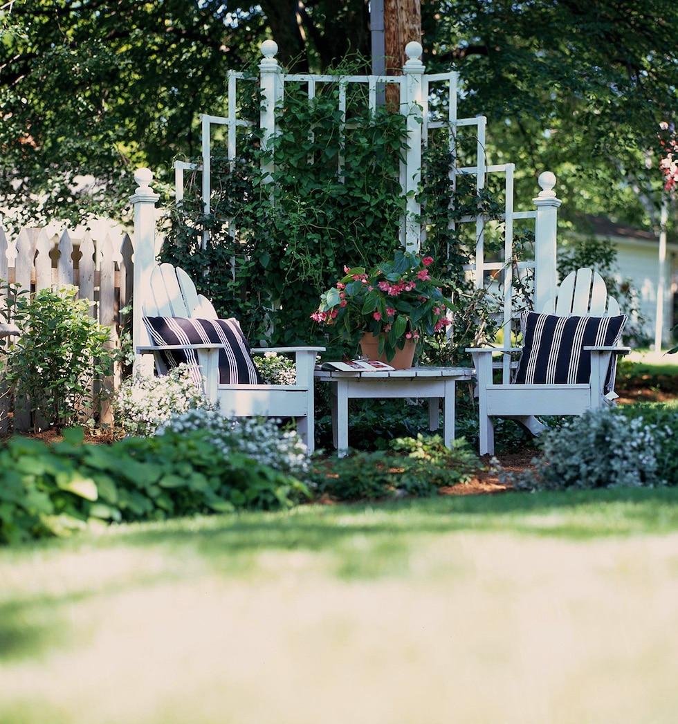 Charming Garden Dreaming